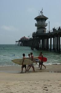 california apartments: surfing